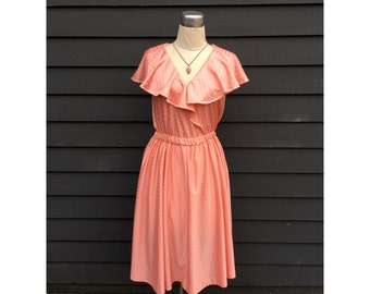 Vintage 1970s ruffle dress . Peachy pink boho baby . Flutter sleeves