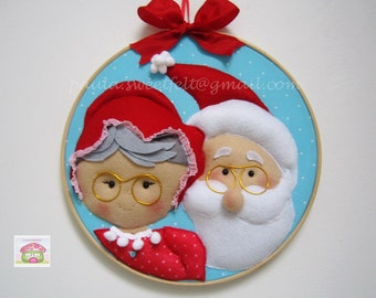Santa and Mrs Claus Christmas wreath