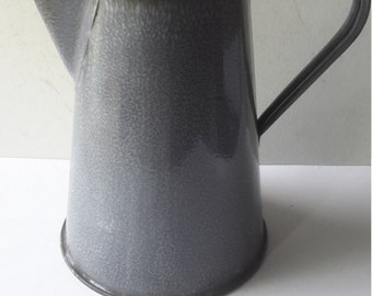 Small Vintage Gray Graniteware Enamelware metal coffee pot water boiler wood knob on hinged lid 6 cup capacity