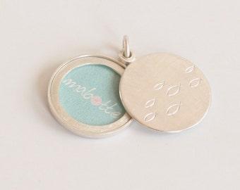 Modern Silver locket for a picture, modern locket, sterling silver, diameter 22mm, school of fish