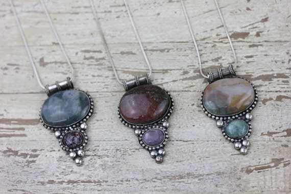 AGATE CRYSTAL NECKLACE- Healing Crystal Jewellery- Chakra Necklace- Tribal Jewelry- Boho- Bohemian Necklace- Accessories- Silver Necklace