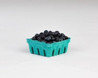 berry basket   1/2 pint
