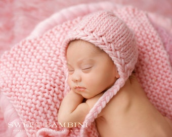 Merino Newborn Bonnet with Criss Cross Detail