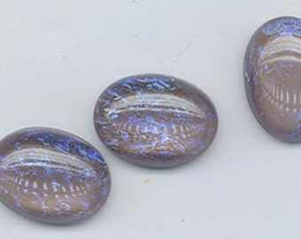 """Three unbelievably beautiful Czech glass opal cabochons in the color """"tanzanite"""" - 18 x 13 mm"""