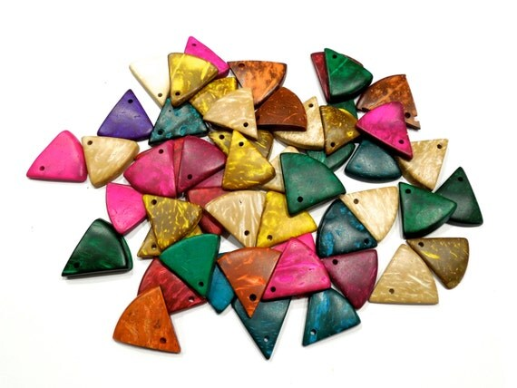 SUPPLY: 30 Colorful Coconut Triangle Charms - Coconut Beads - (10-B3-00007817)