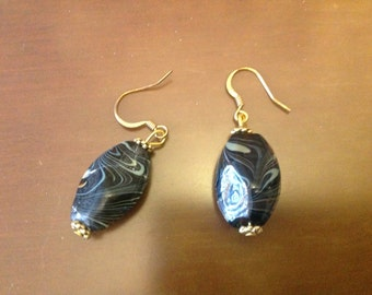 bLack, Beige and Gold Beaded Earrings.