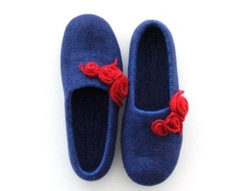 Women slippers - felted wool slippers from blue merino wool with red roses - made to order