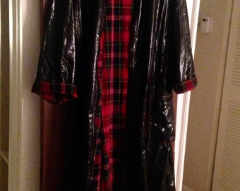 Vintage 80's, 90's black patent Raincoat/plaid/zipper front