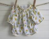 Vintage Baby Pajamas, Winnie The Pooh Print PJs, Infant Pajamas, Newborn Wrap, Cardigan, Vintage Winnie the Pooh Print, Vintage Newborn Top