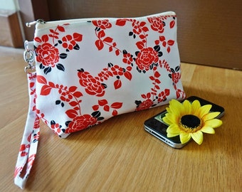 zipper pouch red rose , Red zipper bag, red makeup bag, white makeup bag, white and red rose , red rose cosmetic bag, rose pouch, rose bag