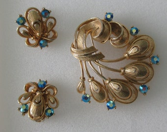 Vintage ~ Signed LISNER ~ Demi Parure ~ Large BROOCH and EARRINGS with Aurora Borealis Stones ~ Must See