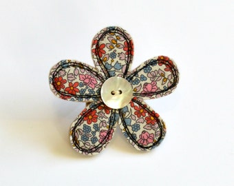 Red and blue Liberty fabric flower BROOCH, Flower badge, Flower pin, Fabric flower, Appliqued flower, Textile flower brooch, flower pinback