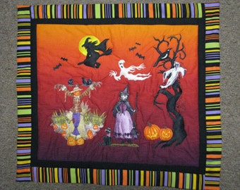 Witches, Scarecrow and Ghosts Halloween Wallhanging