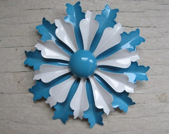 Vintage enamel flower brooch - baby blue and white