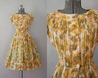 1960's Yellow Floral Dress / Size Small