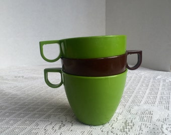 Vintage Melamine Teacups / Green and Brown Plastic Cups / Made in Canada