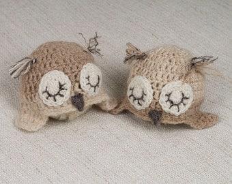 Crocheted newborn ear-flap owl hat - Photo prop
