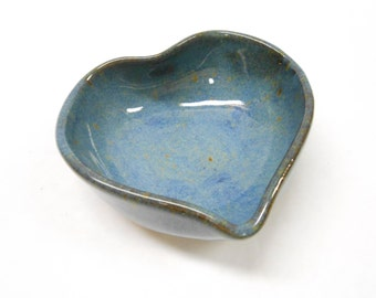 Heart Dish, Pottery Heart Heart Ring Dish Blue Heart Ring Bowl Heart Trinket Dish Trinket Bowl Nut Bowl Heart Nut Dish Gift for Her