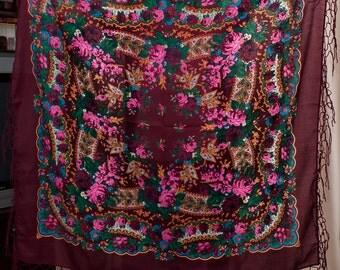Chale russe. Ukrainian ethnic Scarf. Russian shawl. Hustka. Chic Shawl, Traditional Floral shawl. Folk holiday burgundy cherry Shawl platok