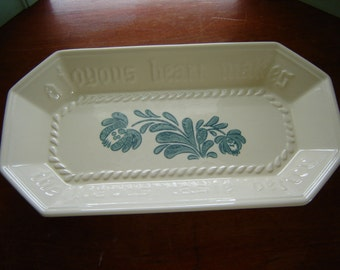 Vintage Pfaltzgraff bread tray Yorktowne teal blue made in USA stoneware pottery kitchen dining serving tray