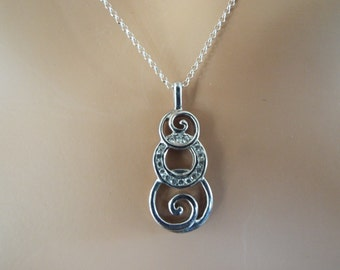 sterling silver overlapping  circles iolite pendant necklace