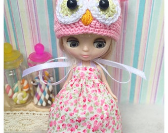 """Petite Blythe / Little Dal Outfit : """"Owl in Garden Set"""" (Dress and Crochet hat)"""