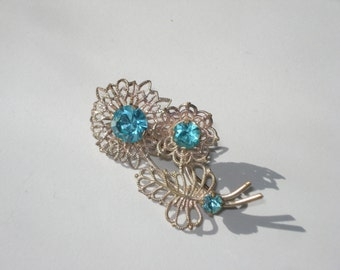 Vintage Flower Bunch Brooch - Blue Silver Tone Filigree Retro Daisy Pin - 1960s