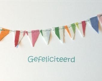 5 kaarten Gefeliciteerd met vlaggetjes erop gestikt
