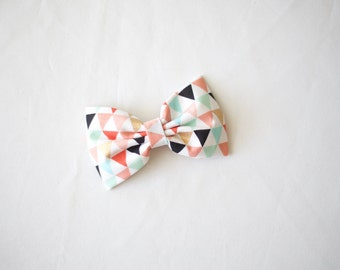 Geometric Colorful Triangles Bow
