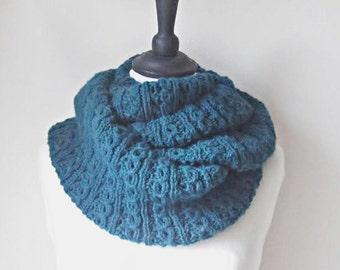 Teal infinity scarf, dark aqua scarf, circle scarf, loop scarf, Chunky knit scarf, Winter scarf, Winter accessories, ladies scarf
