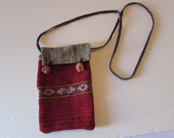 Vintage Handwoven shoulder bag Pouch Peruvian /Indian/Clay head clasps