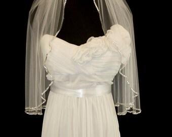 SAMPLE SALE, Shoulder Length Crystal Bridal Veil in Matte White, Crystal Edge Wedding Veil, Style 4004, Ready to Ship