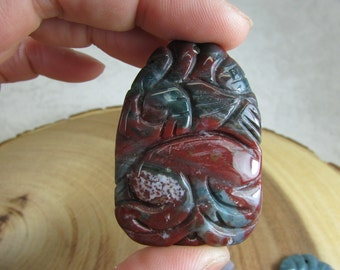 Carved india agate 2-hole pendant focal connector