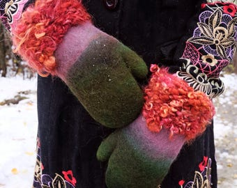 Green mittens Wool gloves Winter mittens Green gloves Felt mittens Wool mittens Alpaca gloves Warm mittens Felted gloves Knitted gloves