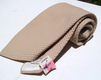 Vintage 1970s Wide Khaki Polyester Tie with Waffle Textured Pattern by Lafayette Cravats