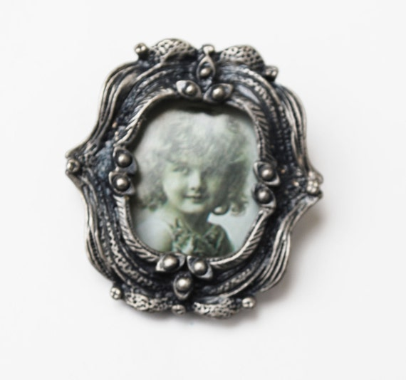 Pewter Photo frame Brooch  Oval picture frame pin