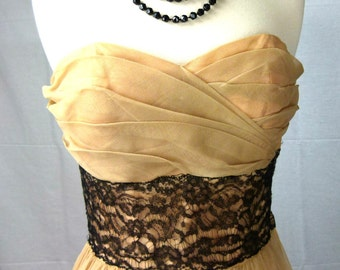 Beautiful Vintage 40s Prom Dress - Champagne Tulle and Black Lace - Small - Handmade