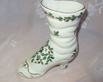 Holly Gilded Boot, Christmas boot vase, Formalities  Baum Brothers Gold Gilded Boot, Vase decor,  very good
