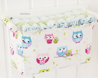 Owl patterned diaper organizer, hanging storage, baby nursery room, baby shower gift, crib accessories, diaper caddy