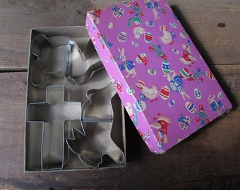Vintage Easter Cookie Cutters Farmhouse Kitchen