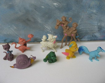 Vintage plastic animals,  novelty kitsch, 8 cake toppers Birthday party favors, made in Hong Kong