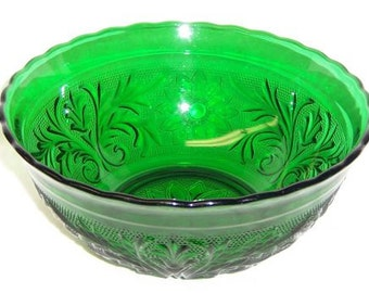Anchor Hocking Forest Green SANDWICH 8 Inch SCALLOPED BOWL