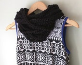 Black Chain Scarf . Short...