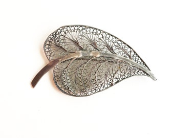 silver filigree leaf brooch