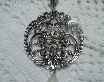 Large Vintage Silver Filigree Cabochon w/Pearl Tear Drop Medallion Necklace by Avon 1970s