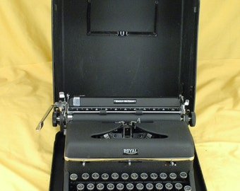 EXC 1949 Restored Hemingway Royal Portable Quiet Deluxe Typewriter W/ WARR Elite