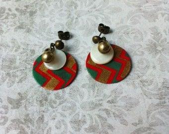 Boho paper Earrings - stud brass earrings - circle earrings - dangle earrings - mother of pearl