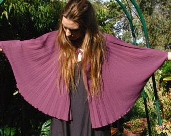 Capelet Poncho: Sun-ray pleated - Vintage Item