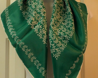 Vintage Beautiful Green and White Scarf Women's Accessory Summer Fashion