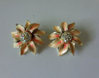Vintage 1960's BSK Earrings. Flower Design. Clip Back Clasp. 1960's. Enamel and Rhinestone. FREE SHIPPING! Expert packaging! Buy today!